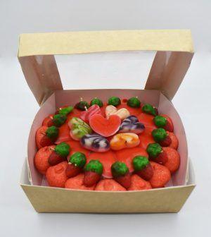 Caja con mini tarta de golosinas
