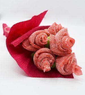 Ramo de rosas rojas de golosinas
